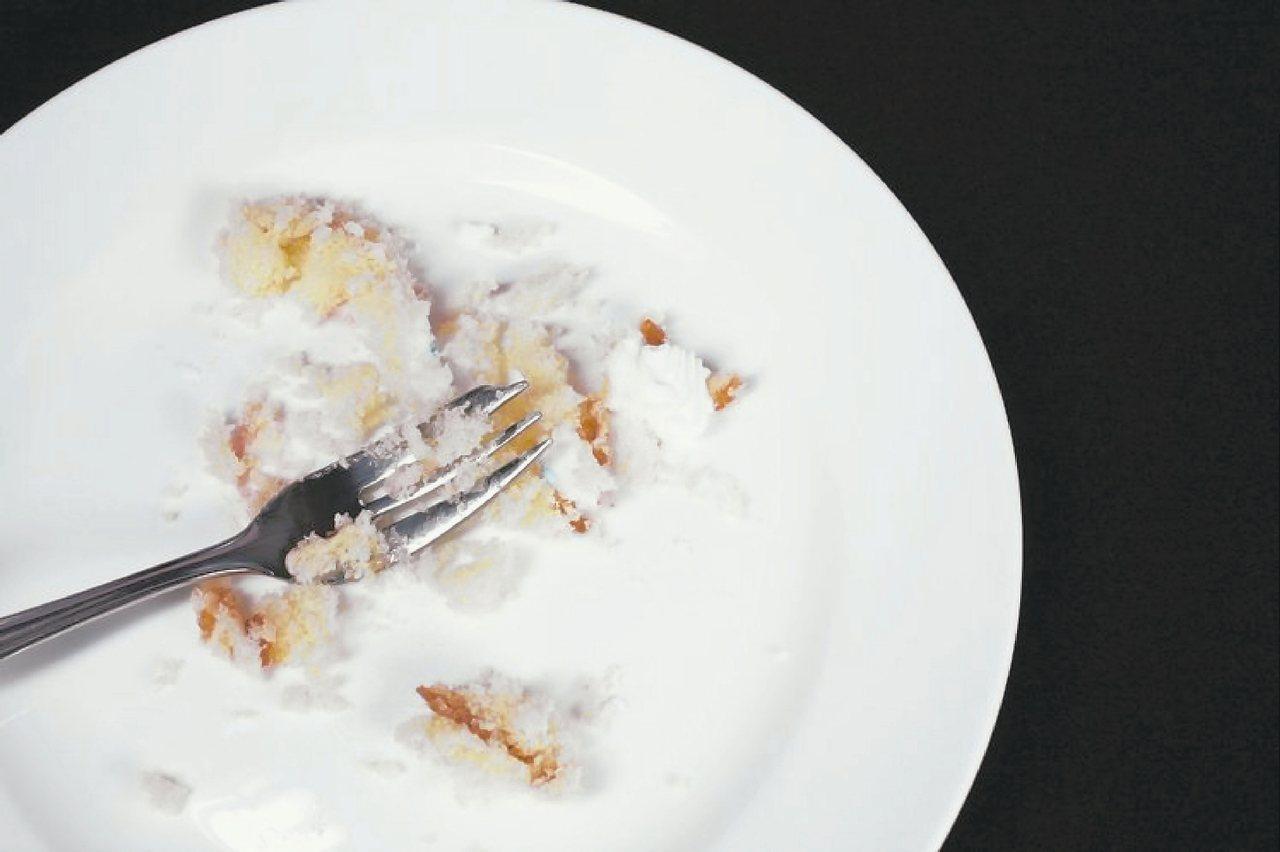 調查顯示,大腸癌友的飲食特徵為用餐不定時、愛吃油炸、喜吃肉、收菜尾。