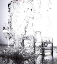 水對人體相當重要,台北科技大學環境工程與管理研究所教授陳孝行說,大自然的水是好的...