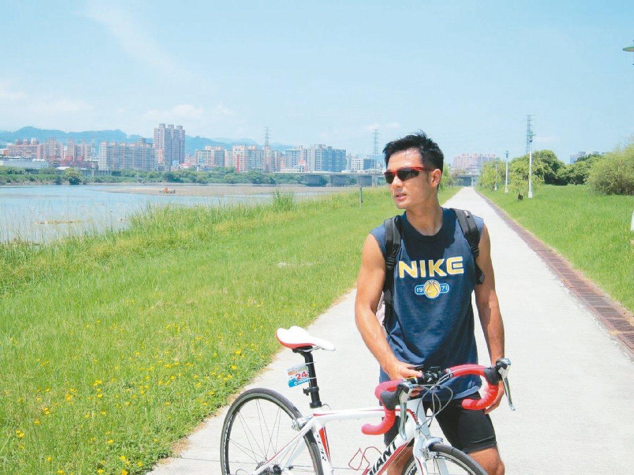 熱愛「三鐵」的王俊傑說,運動強化他的抗壓性。 圖/王俊傑提供