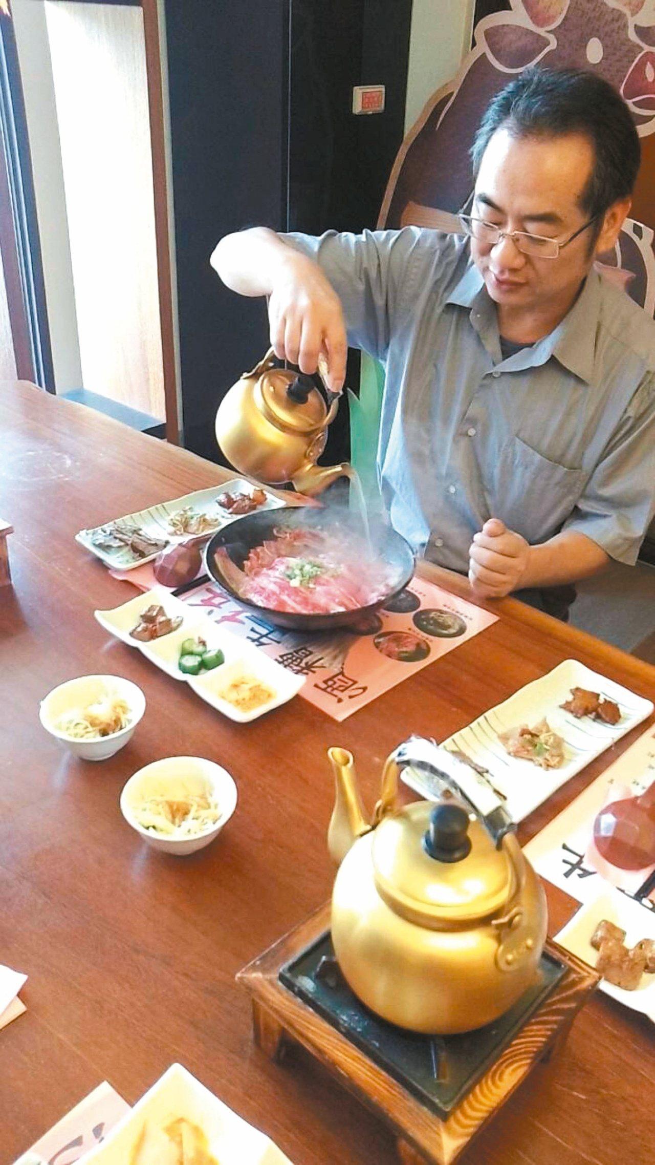 鮮涮牛肉麵,一推出,大受好評。 記者蔡家蓁/攝影