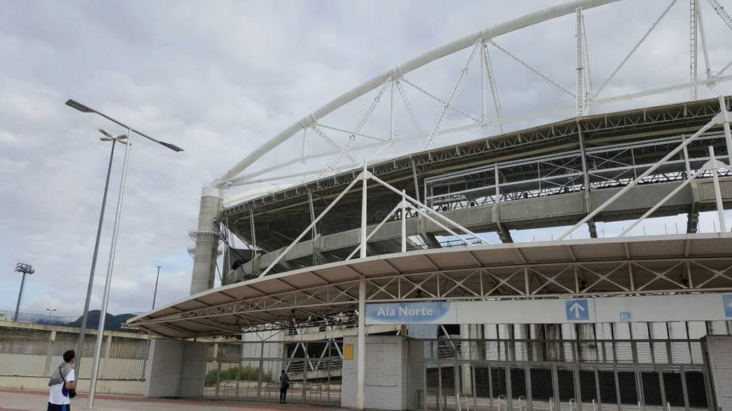 奧林匹克體育場尚未裝飾,有點陽春。 記者彭薇霓/攝影