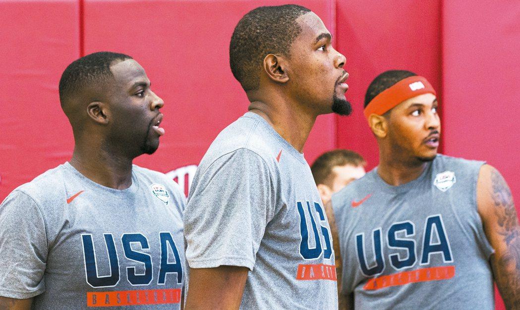 里約奧運美國男籃隊開訓,格林(左起)、杜蘭特、安東尼齊聚練球。 美聯社資料照片