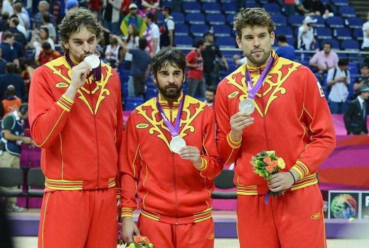 小加索(右)生涯代表西班牙隊2度出征奧運,但今年因腳傷未癒決定退隊。 歐新社