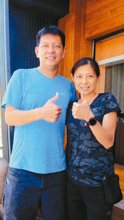 老公簡招旺(左)是許玉芳練跑的鐵血教練。 記者王昭月/攝影