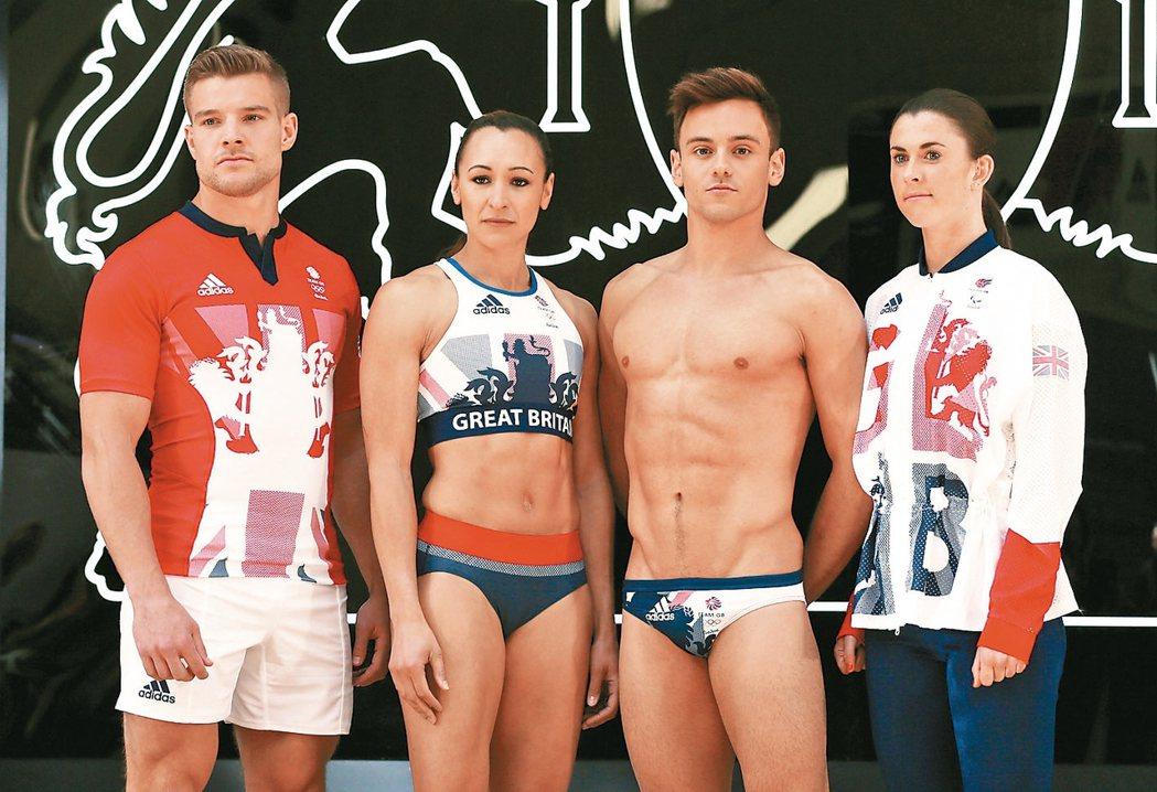 英國跳水名將戴利(右二)將第三度挑戰奧運。 路透