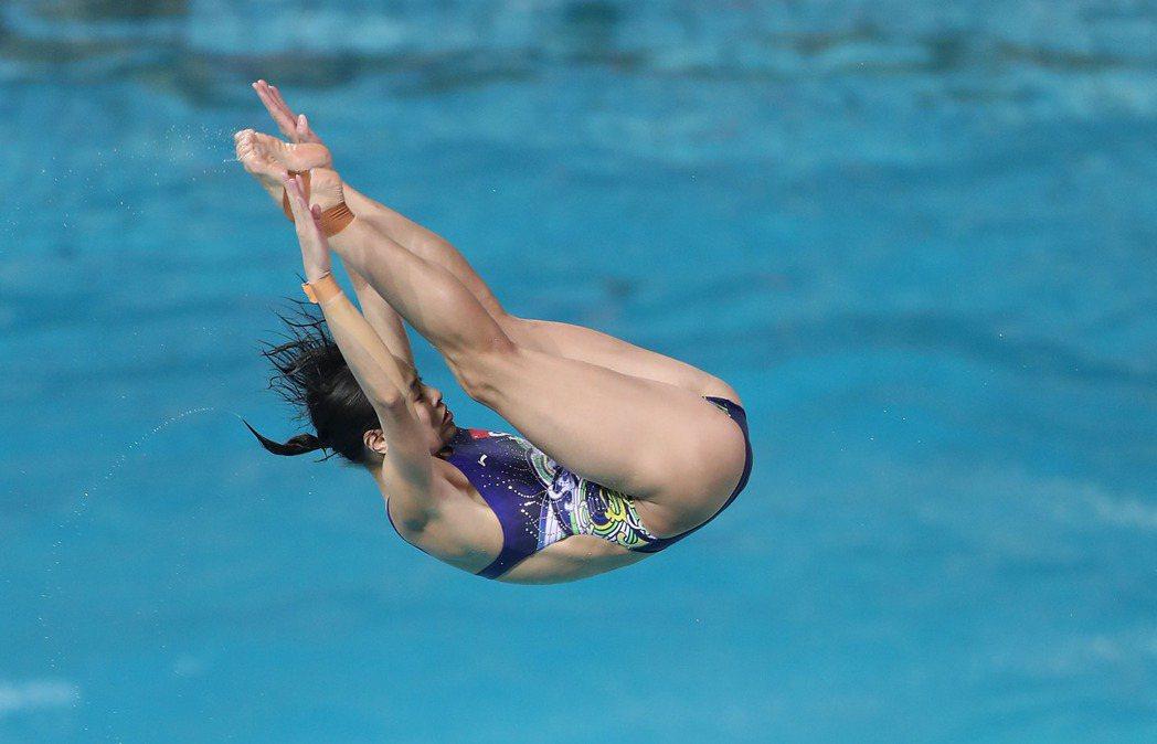 吳敏霞在里約進行奧運前練習。 新華社