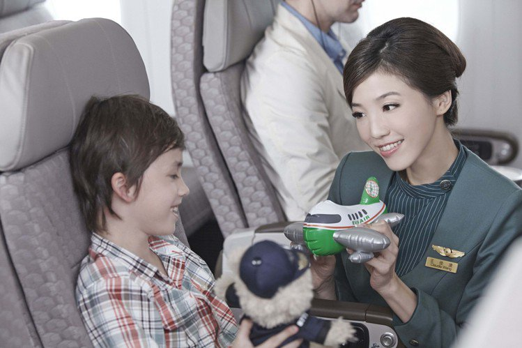 長榮航空宣布將招募400名空服員,即日起至8月20日止受理網路報名。圖/長榮提供