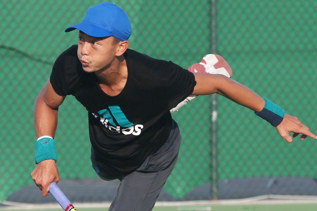 職業網球選手究竟為國家而戰或為球迷而戰?「台灣一哥」盧彥勳發表看法。 特派記者陳...