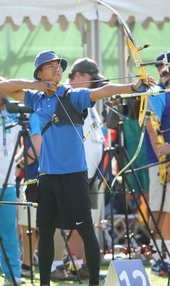 里約奧運男子射箭魏均珩最後以近2公分的差距飲恨。特派記者陳正興/攝影