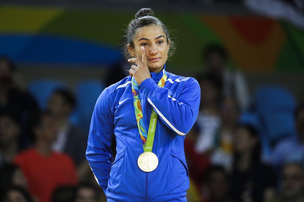 科索沃宣布獨立,2年前才被國際奧會承認為獨立的國家,今年首度參加奧運,柔道女將開...