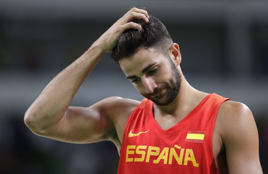 奧運男籃西班牙首戰爆冷輸給克羅埃西亞,效力NBA灰狼隊的後衛魯比歐露出失望神情。...