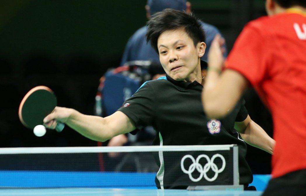 里約奧運女單桌球八強賽,鄭怡靜出戰大陸對手陷入苦戰。特派記者陳正興/攝影 陳正興