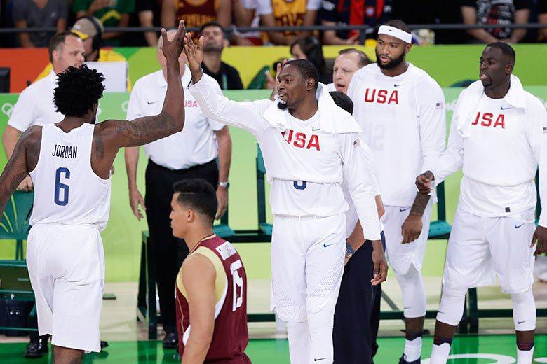 美國男籃雖然大勝委內瑞拉,但打法稍嫌粗暴,沒有過去夢幻隊的美感。 美聯社
