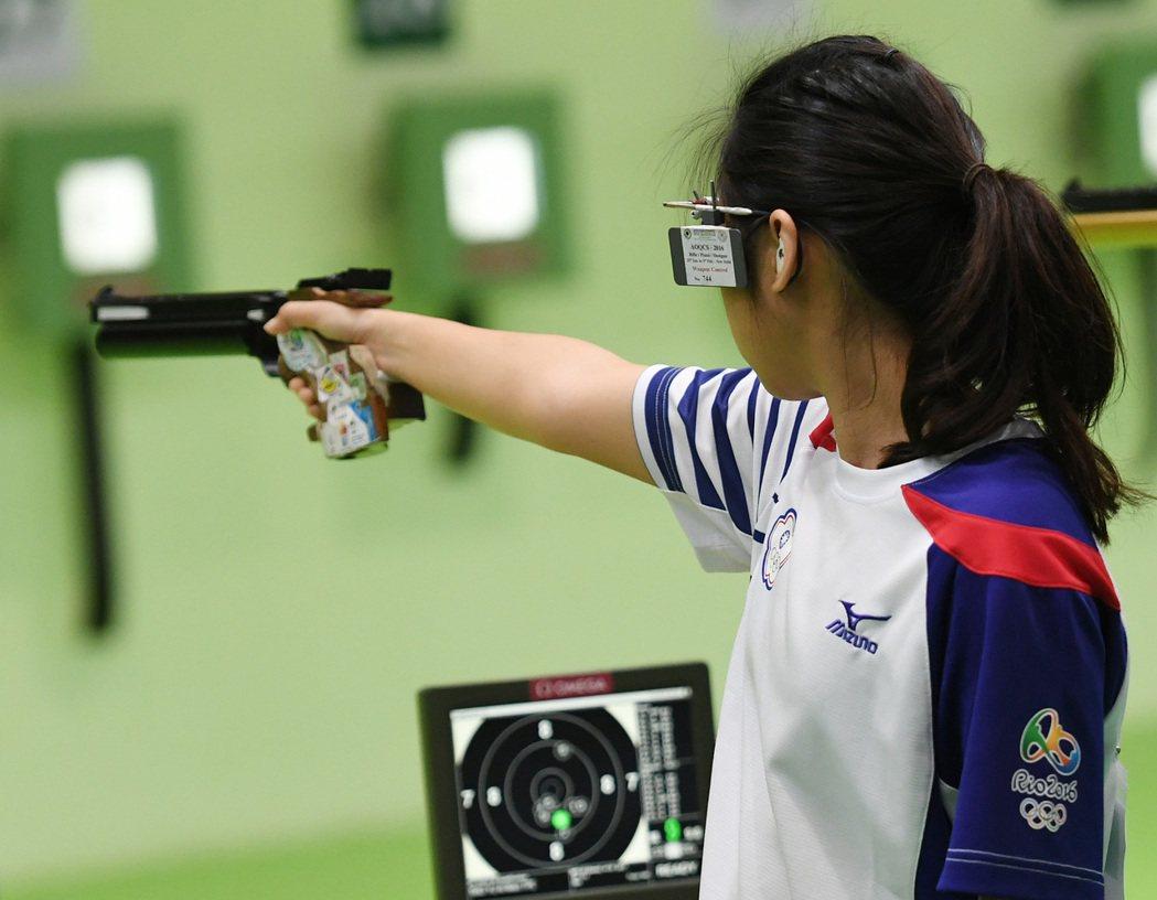 里約奧運射擊女子10公尺空氣手槍賽事7日登場,中華隊余艾玟射下378分,名列第3...