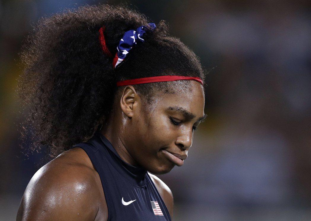 里約奧運網球女單再爆出冷門,球后美國女將小威廉絲第三輪出局。 美聯社