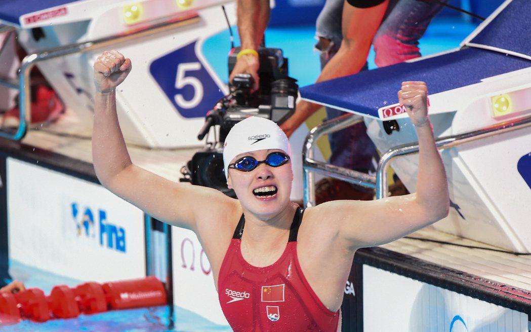 「魔性美少女」傅園慧穿著Speedo泳衣參賽。圖/摘自新華社