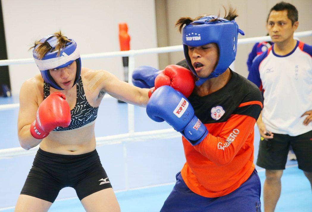 里約奧運拳擊,中華臺北選手陳念琴(左)積極備戰。特派記者陳正興/攝影