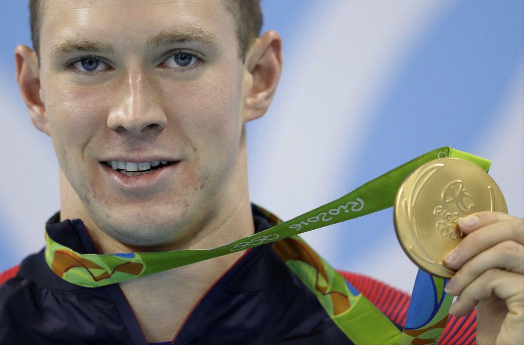美國游泳選手墨菲(Ryan Murphy)今天撐霸男子200公尺仰式,本屆奧運第...