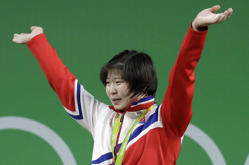 國爭光是多數運動選手出征奧運的目的,替北韓拿到本屆奧運首面金牌的林貞心也是如此,...