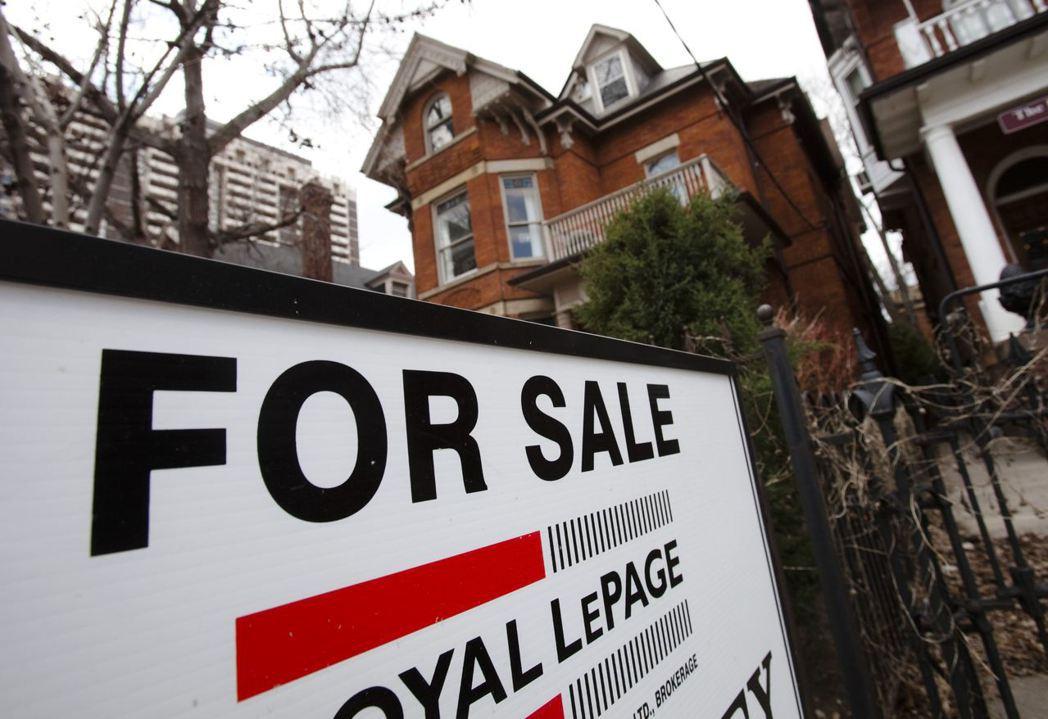 世界各國政府紛紛開徵新的房地產附加稅,試圖藉此限制外國資金湧入當地房市,助漲房價...