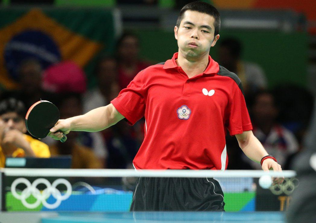 里約奧運桌球男團下午舉行,中華台北出戰德國,中華台北莊智淵不敵對手,輸掉二分,顯...