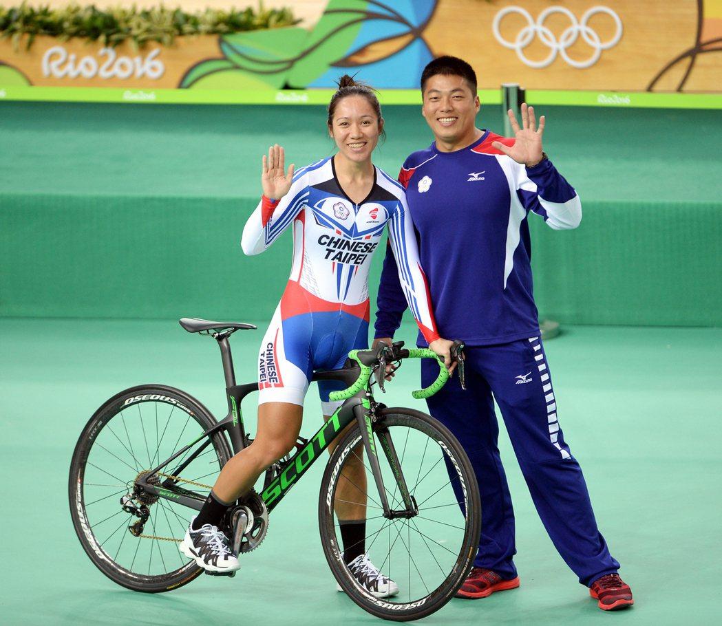 里約奧運自習車項目,中華台北選手蕭美玉(左)第二度出征奧運,全心備戰自由車場地賽...