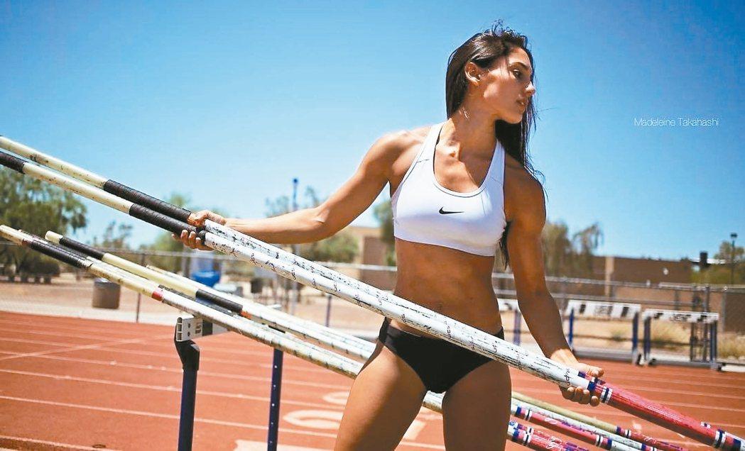 美國撐竿跳選手Allison Stokke。 圖/摘自instagram