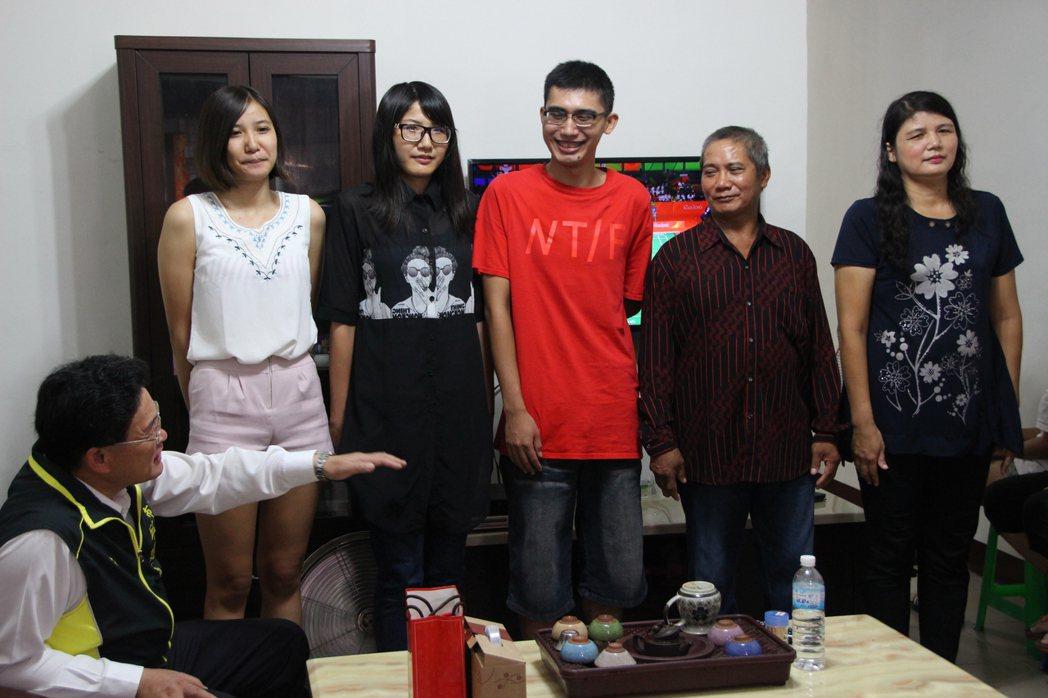 台灣跳高好手向俊賢的兄弟姊妹身材高挑。記者林敬家/攝影 林敬家