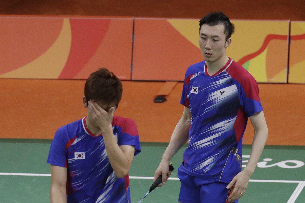羽球男子雙打世界排名第1的南韓好手李龍大、柳延星爆冷出局。 美聯社
