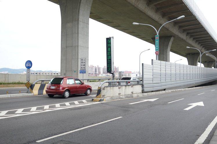 台中市交通局針對台74號快速道路沿線易壅塞路口進行改善,並計畫增設北屯、大里等匝...