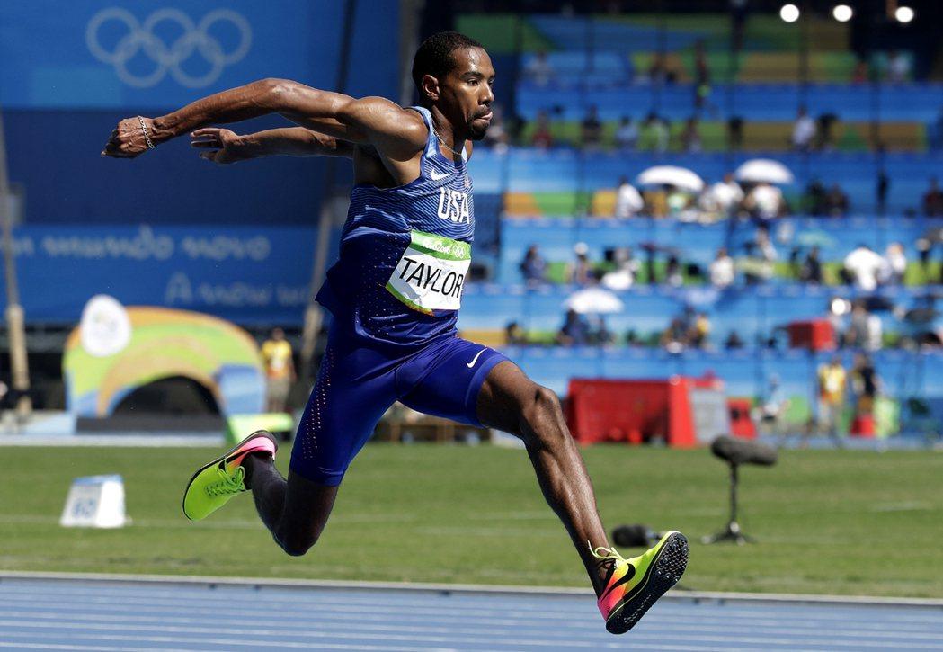 美國三級跳好手泰勒(Christian Taylor)在里約奧運蟬聯金牌。 美聯...