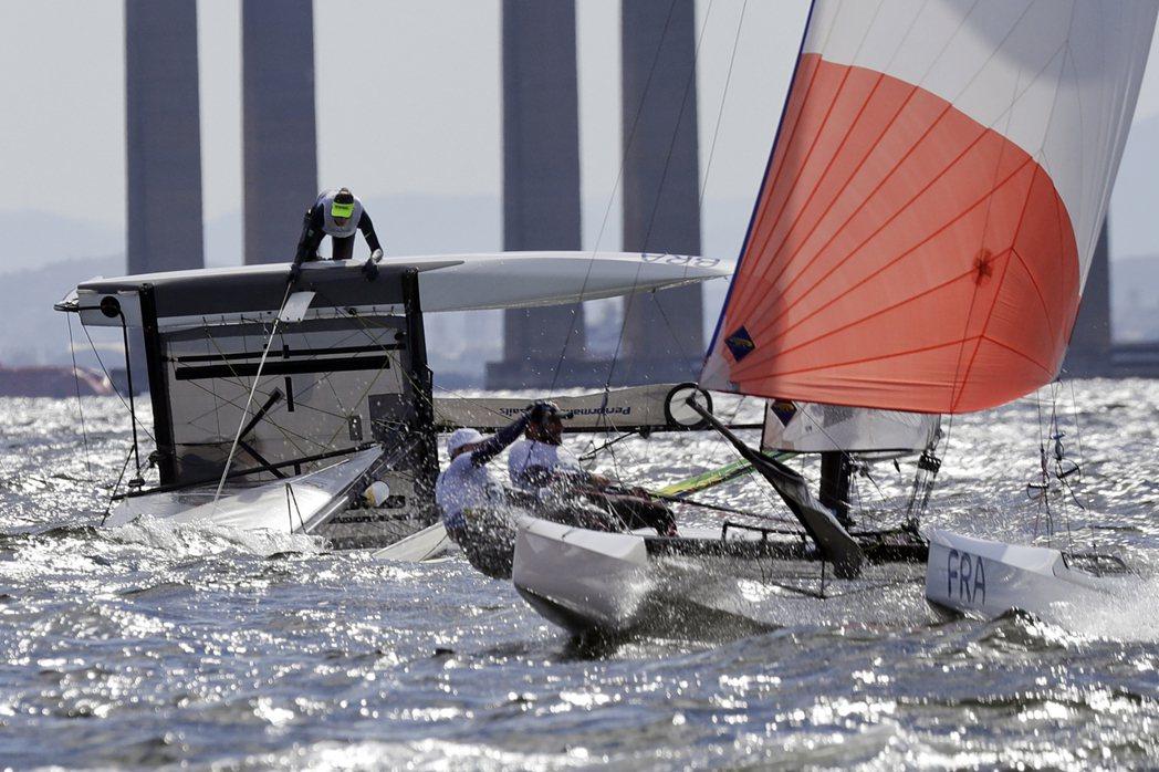 里約奧運帆船選手今天砲轟格羅里亞碼頭(Marina da Gloria)垃圾太多...
