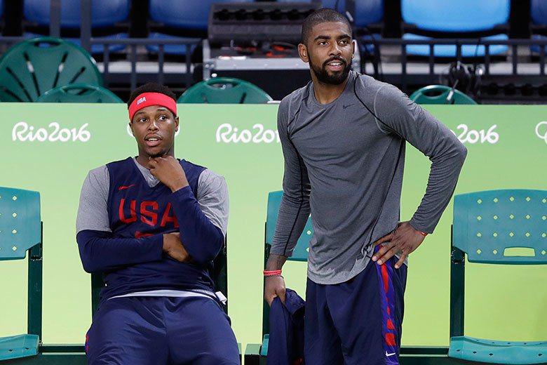 羅瑞(左)和厄文(右)都不是組織型控球後衛,美國隊需要像保羅這樣的球員來穩定大局...