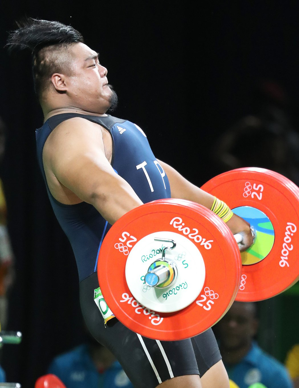 里約奧運舉重男子105公斤以上級舉重,中華隊陳士杰下午在B組出賽,抓舉185公斤...