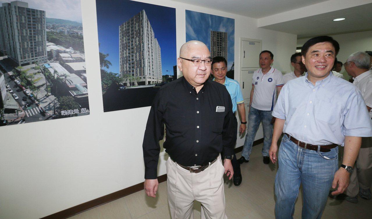 尹衍樑(左)。圖/聯合報系資料照