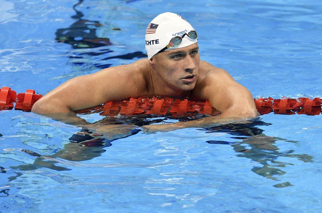 美國游泳名將洛克特(如圖)等人謊稱自己在里約被搶劫,許多網友跑到他的Instag...