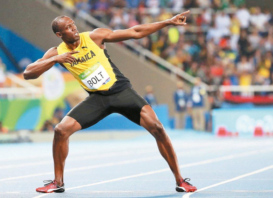 在男子100公尺完成三連霸的牙買加「閃電」柏特,今天又在200公尺決賽摘金且完成...
