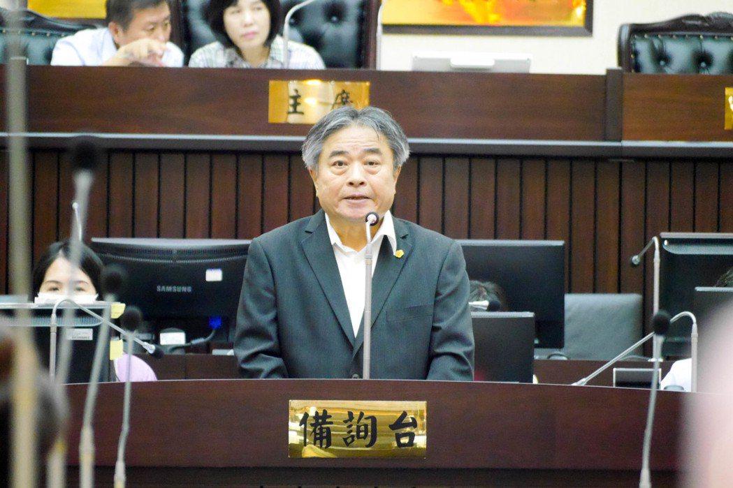 財稅局長張紹源強調,台南市房屋稅以調幅最低、調整時間最晚、衝擊最小為調整原則。記...
