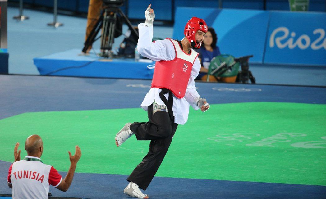 突尼西亞選手奧斯拉提獲得勝利後,在場內狂奔慶祝。特派記者陳正興/攝影