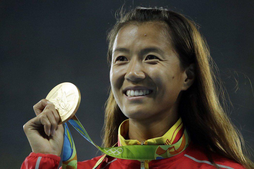 劉虹的這面金牌來得驚險,在最後30公尺才成功超車,以2秒之差險勝墨西哥選手岡薩雷...