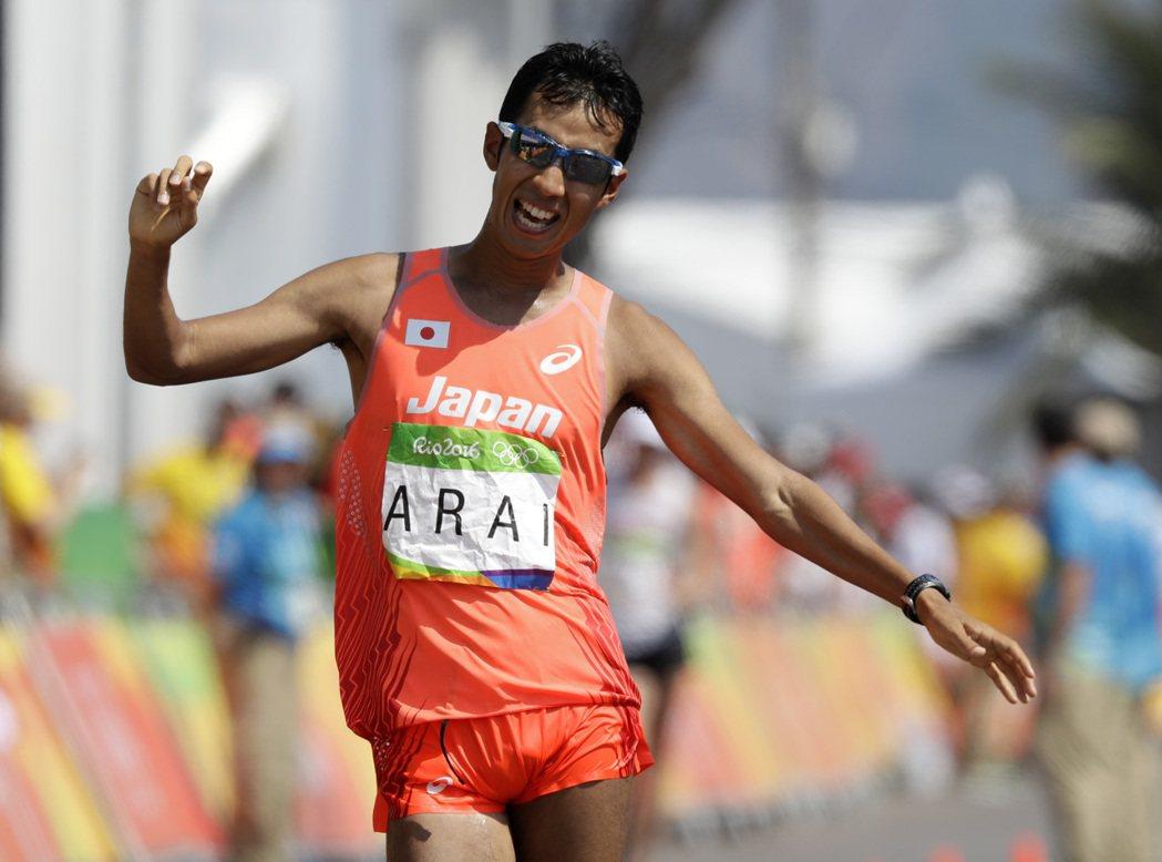 判決反覆,讓男子50公里競走日本好手荒井廣宙獎牌失而復得。 美聯社