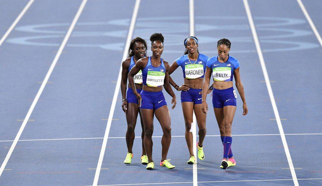 美國女子四百公尺接力隊獲獨自重賽機會,並擠掉大陸隊晉級。 美聯社