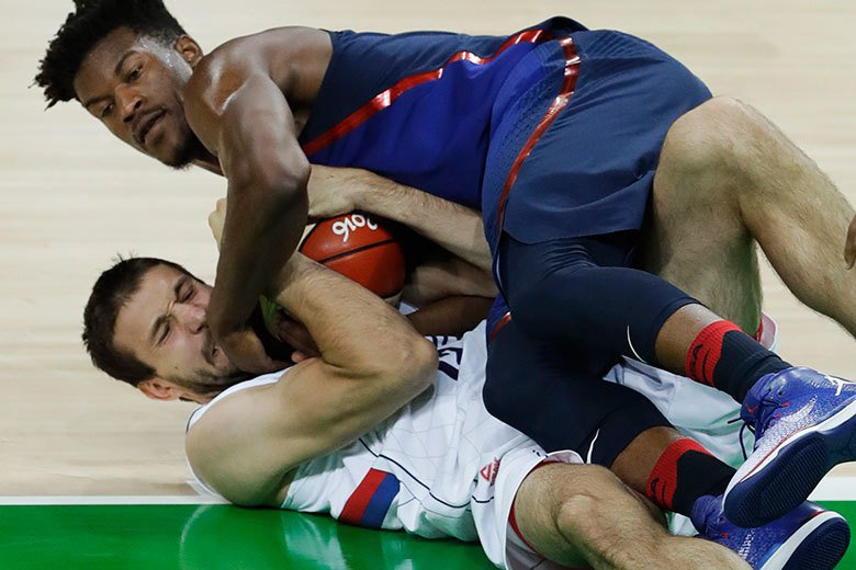 美國男籃雖然沒有使出「洪荒之力」就能大勝對手,不過像巴特勒(上)等球員在場上也是...