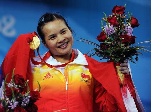 陳燮霞2008年為大陸隊摘得北京奥運會首面金牌。(鳳凰體育網提供)