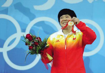 大陸隊舉重選手劉春紅(女子69公斤級金牌)。(鳳凰體育網提供)