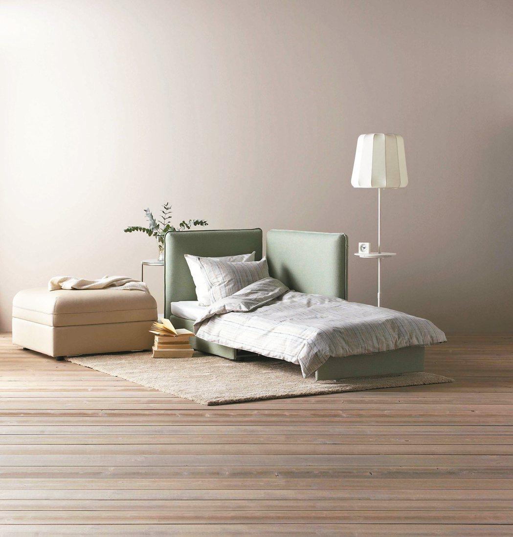 可依不同需求增加、拆下或改變座椅組合,可輕鬆轉換成床舖。 圖/IKEA提供