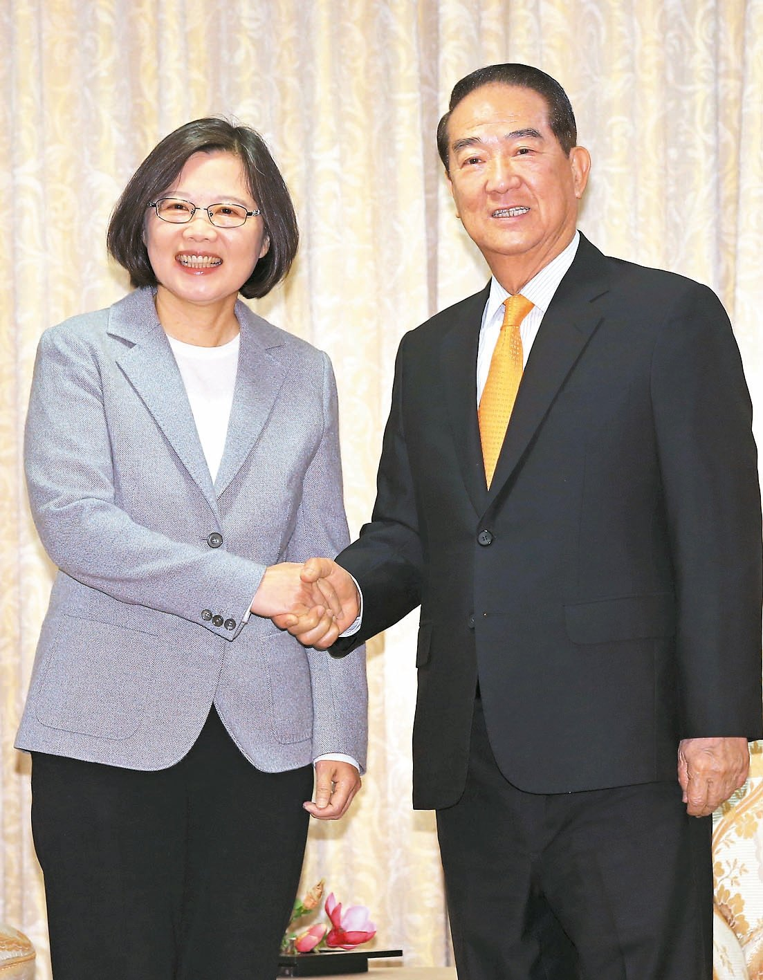 總統蔡英文(左)傳將指派親民黨主席宋楚瑜出任今年APEC特使。 本報資料照片