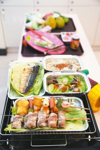醫師建議,糖友享受中秋烤肉注意均衡與總熱量攝取,建議先吃蔬菜與肉類,再吃玉米、地...
