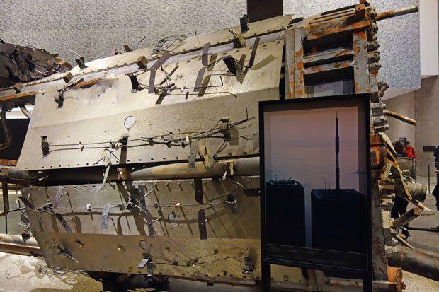 世貿北塔倒塌後的天線殘骸。 圖片提供╱遠見