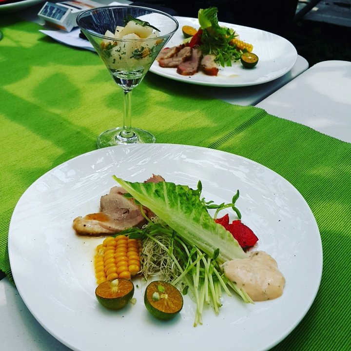 三星梨園裡的餐桌推廣在地食材。 記者廖雅欣/攝影 廖雅欣
